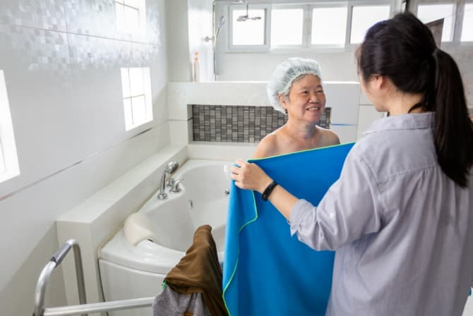 Signs That an Older Adult Needs Home Care